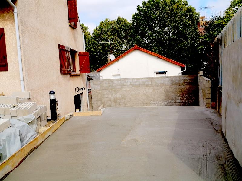 Maçonnerie paysagère Création dalle béton terrasse Aidlib